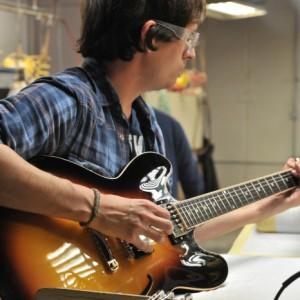 Testing a Gibson Guitar
